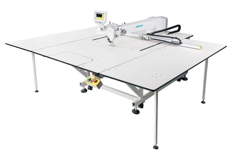 Компьютеризированная швейная машина Jack MT-80 с рабочим полем 1200х760мм